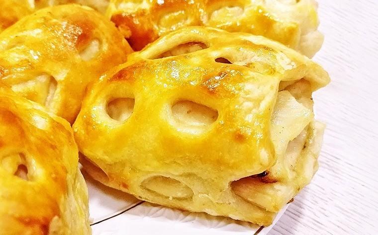 Куриная грудка с сыром и ананасами в хрустящем тесте
